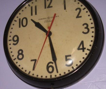 BATT - School Clock